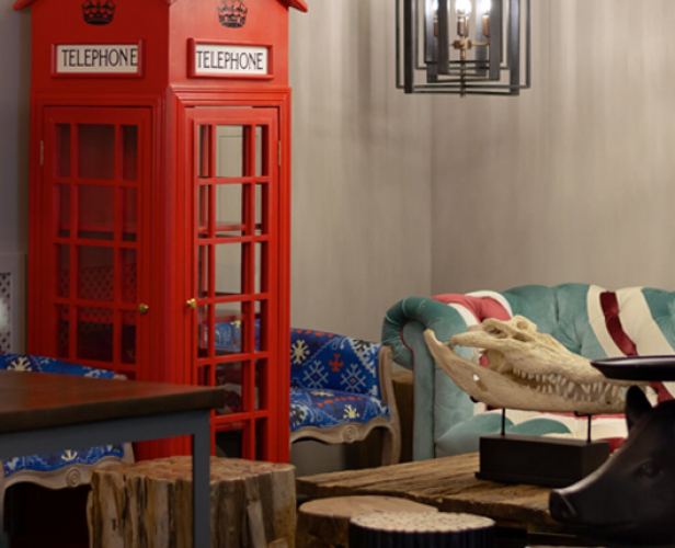 https://loft-concept.ru/catalog/cabinet/vitrina_telefonnaya_budka_london_telephone_box/