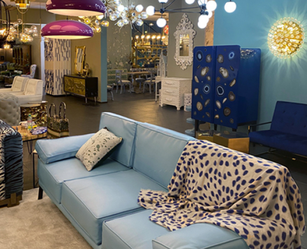 https://loft-concept.ru/catalog/sofa/divan_light_blue_vintage_sofa/